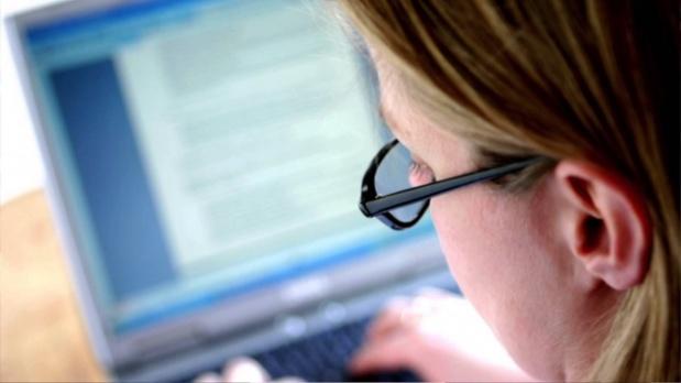 Bunlara Dikkat Etmeyen Banka Çalışanlarının Göz Sağlığı Tehdit Altında!