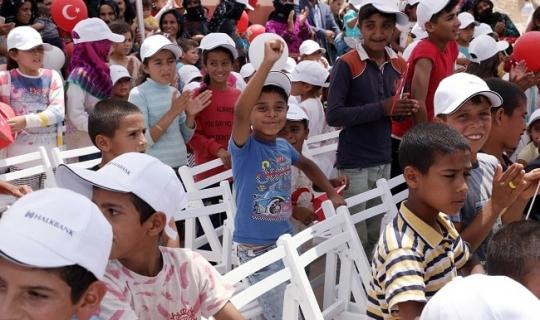 Halkbank Karnesini Alan Çocukları Sevindirdi