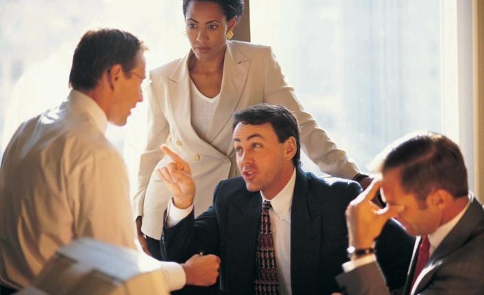 İş Hayatında Sevmediğiniz Kişilerle Anlaşmanın 9 Etkili Yöntemi!