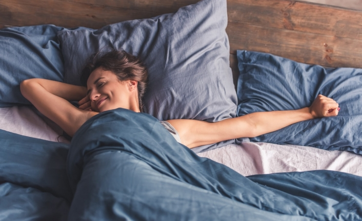 Oturarak Çalışanlar Hangi Pozisyonda Uyumalı? En Tehlikeli Yatış Şekli Hangisi?