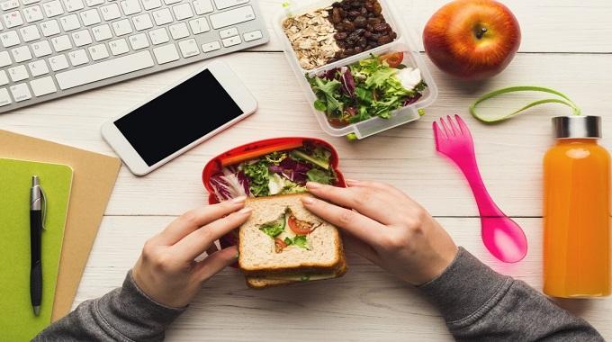 Çalışanlar İçin Ofiste Beslenme Önerileri