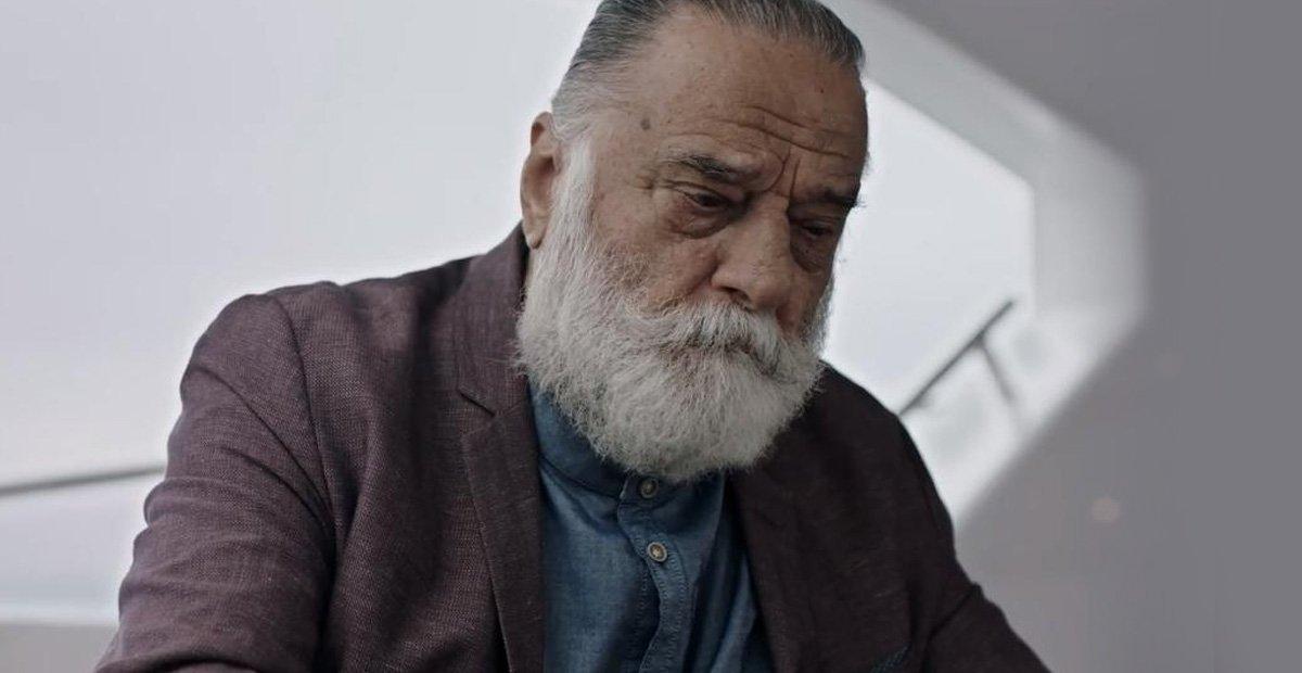 Photo of Ünlü Oyuncu Erdoğan Sıcak Hayatını Kaybetti
