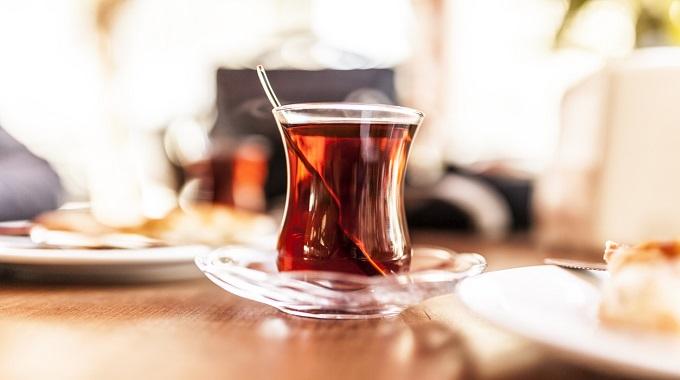 Çalışanlar İçin Çok Çay Tüketmenin Zararları