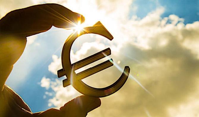 Photo of Euro Bölgesi'nde Şirket Kredileri Artış Kaydetti!