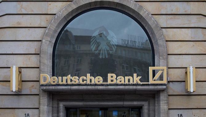 deutsche-bank-hisseleri-tarihinin-en-dusuk-seviyesinde