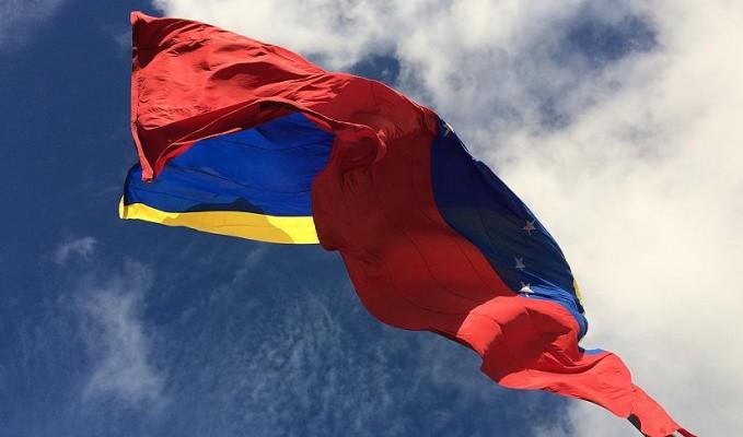 venezuela-parasindan-sifirlar-tekrar-atildi