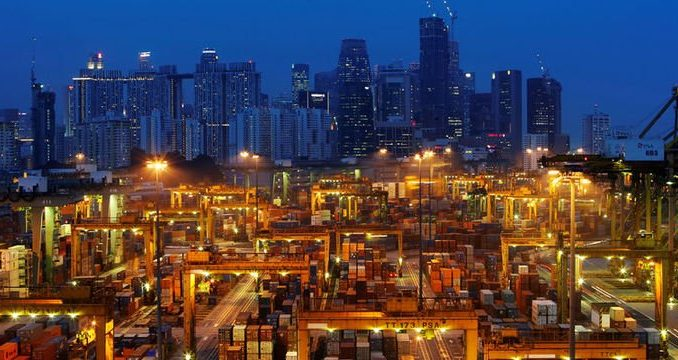 singapurlu-banka-uyardi-riskler-giderek-artiyor