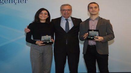 İş Bankası'ndan 'Altın Gençler' Ödülü