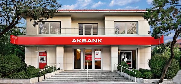 Akbank'tan Grev Sesleri Gelmeye Başladı