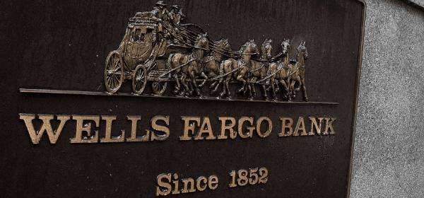 Minneapolis İsyanlarında Wells Fargo Bank Hasar Gördü