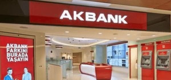 Akbank'ta Çalışan Personel Hakkını Arıyor