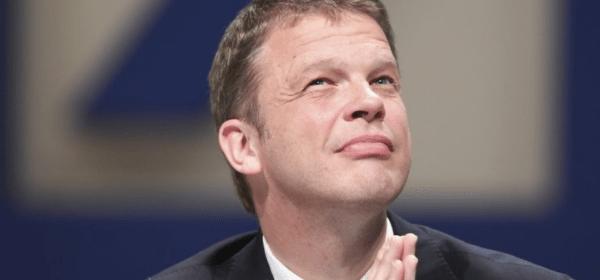 Deutsche Bank CEO'su Zombi Şirketler Konusunda Uyardı!