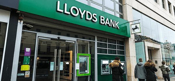 Llyods Bank 865 Kişiyi İşten Çıkaracak!